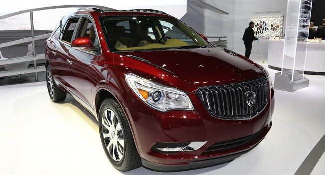 2017-Buick-Enclave-Sports
