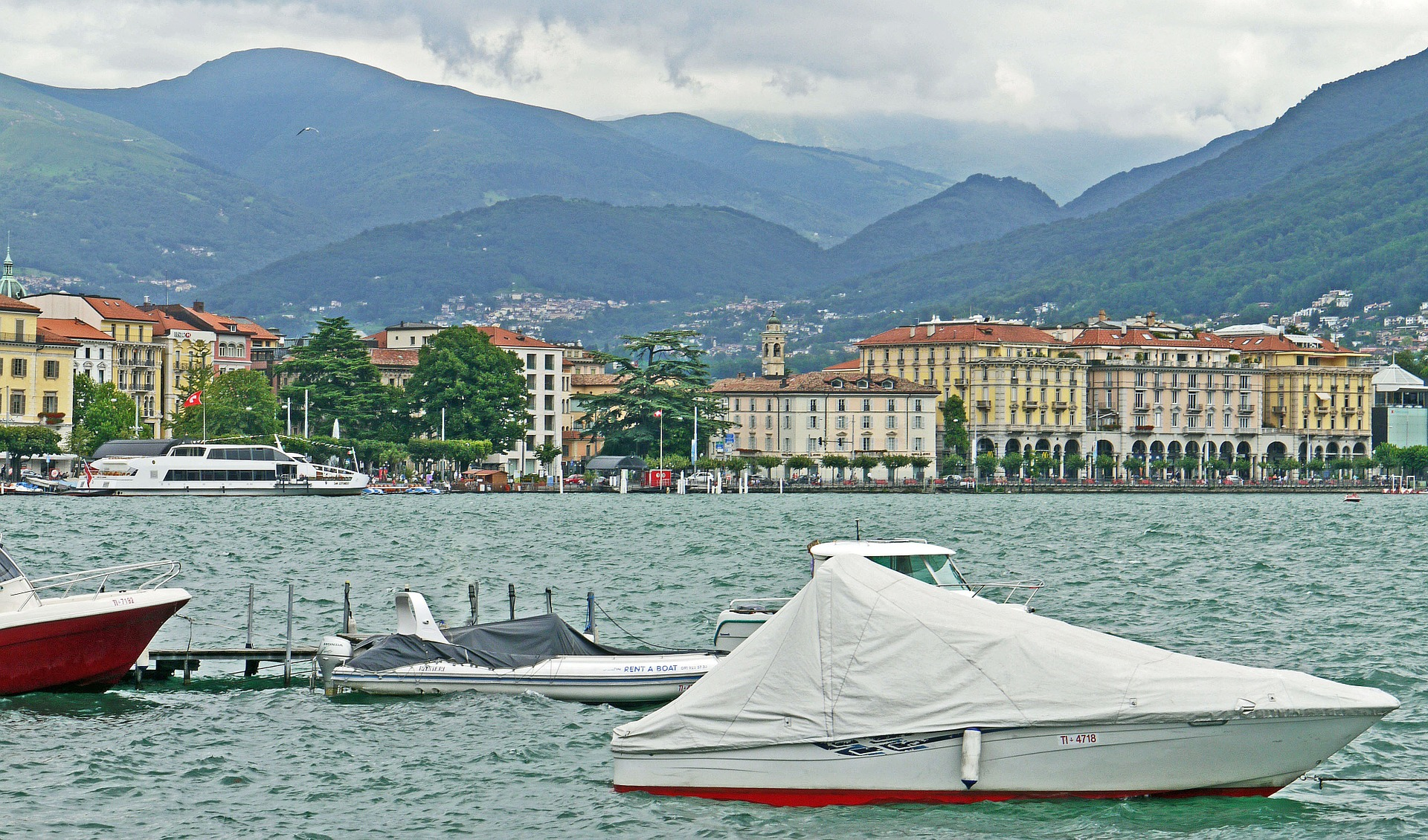 Lugano-lake-near-Montagnola